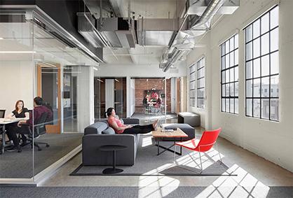 广州办公室装修要避免灯光设计的色彩过多