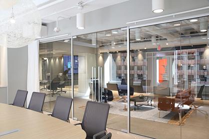 广州办公室装修的楼道走廊也是要经过细心设计的