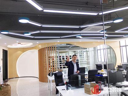 广州天河办公室装修怎样选择地暖地板?