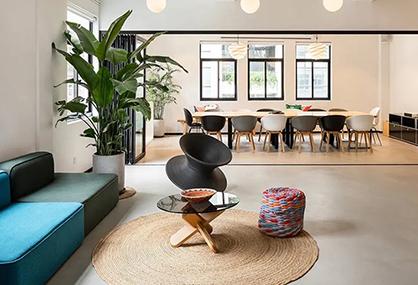 来看看潮流的传媒公司是怎样进行办公室装修