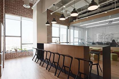 广州办公室装修对于纯白色会怎样处理?