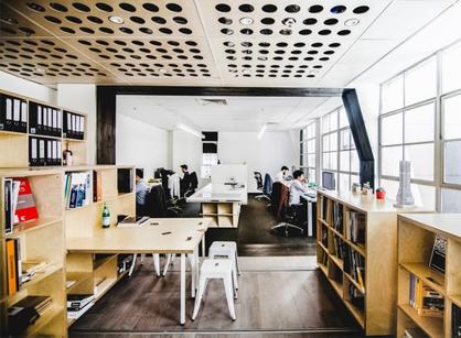 Particular建筑事务所的可重组办公室装修设计