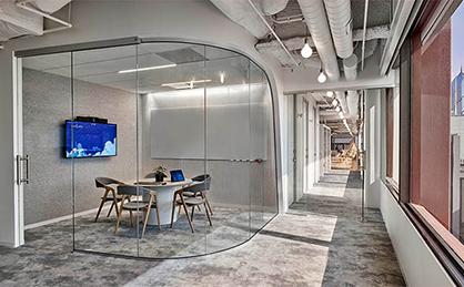 大型办公室装修施工流程的注意事项和技巧有哪些?