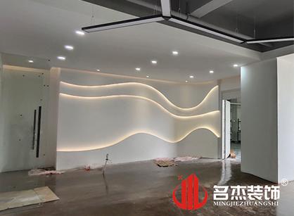 巡工地日记,广州市米乐皮具办公室装修项目紧张进行中