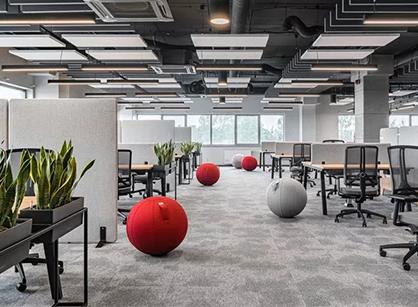 HAMA波兰拉巴科沃办公室装修设计改造是怎样做的